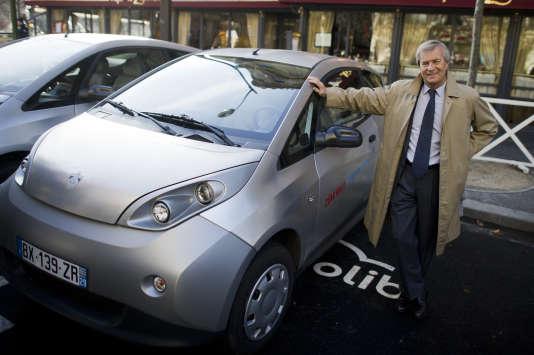 Le président-directeur général de Bolloré groupe, Vincent Bolloré, lors du lancement d'Autolib, à Paris, le 5 décembre 2011.