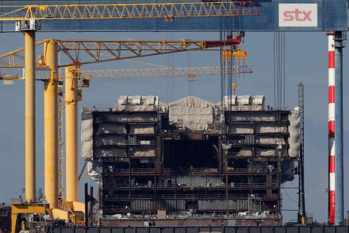 Un navire de la classe Oasis en cours de construction à Saint-Nazaire (Loire-Atlantique), en octobre 2016.