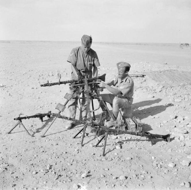 Soldats britanniques en Afrique du Nord, en 1942.