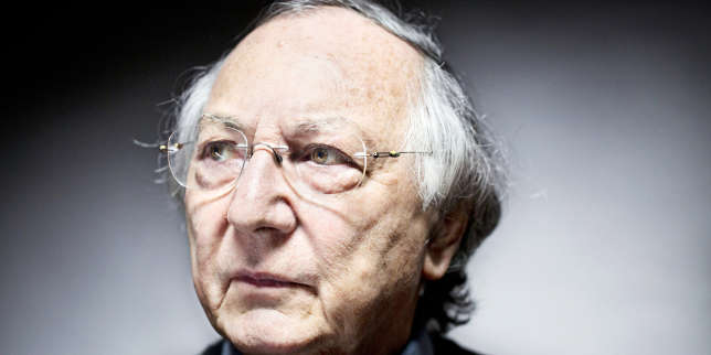 Maurice Godelier, chez lui, à Paris, en 2014.