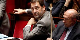 « Les questions sur les préférences et opinions politiques ont été rédigées uniquement par les chercheurs de Terra Nova », affirme l'entourage du patron du parti, Christophe Castaner, au «Monde».