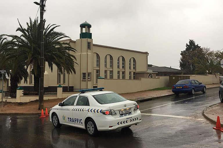La mosquée principale de Malmesbury après l'attaque à l'arme blanche qui a fait deux morts et un assaillant tué par la police, le 14 juin 2018, au nord du Cap.