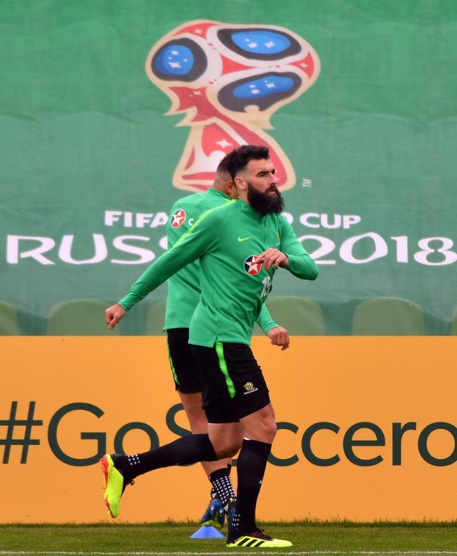Mile Jedinak, le capitaine des Socceroos, ici le 13 juin à Kazan, est d'origine croate.