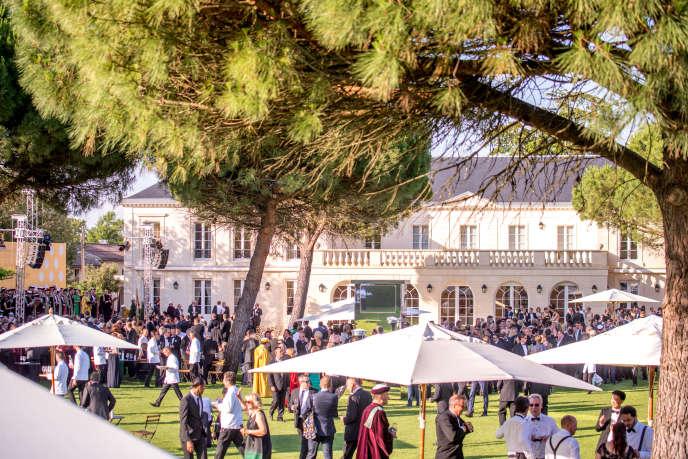 Fête de la fleur, grand-messe annuelle du monde viticole, au château Malartic-Lagravière, le mercredi 21 juin 2017.