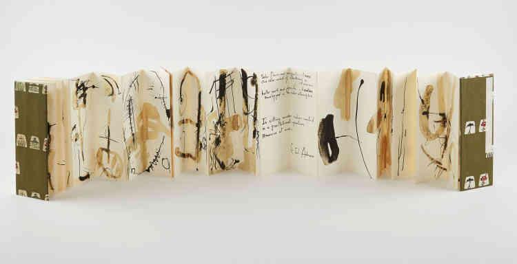 «On est ici à la croisée du texte et de l'image. A la fois dans l'art informel‒ on pense au critique d'art Michel Tapié‒ et la gestualité, à ce mouvement de la main qui déborde d'énergie comme le peintre américain Jackson Pollock. Etel Adnan a cette volonté de créer un nouveau vocabulaire, de reconstruire le monde avec d'autres formes.»