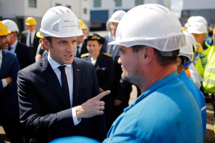 Emmanuel Macron lors d'une vivite sur les chantiers de Saint Nazaire, le 31 mai 2017.