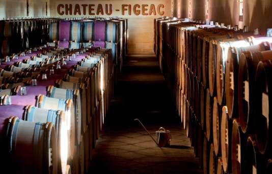 Le chai actuel de Château-Figeac, composé de 26 cuves, sera remplacé par un cuvier qui en comportera 48, en bois et en inox, de 125 hectolitres à 10 hectolitres pour les plus petites, qui permettront des assemblages plus sophistiqués.