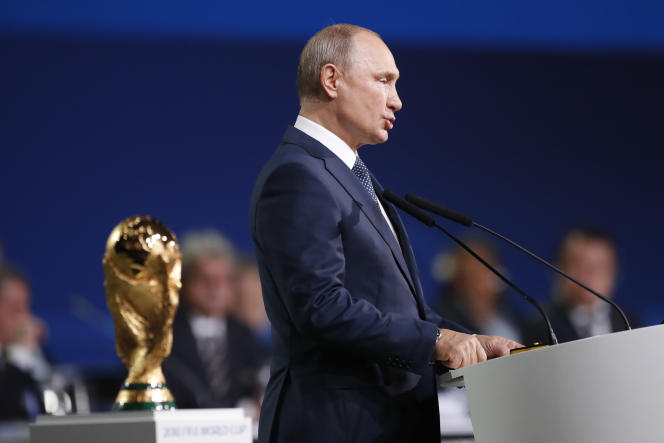 Le président russe Vladimir Poutine lors du congrès de la FIFA, à l'Expocenter de Moscou, le 13 juin.