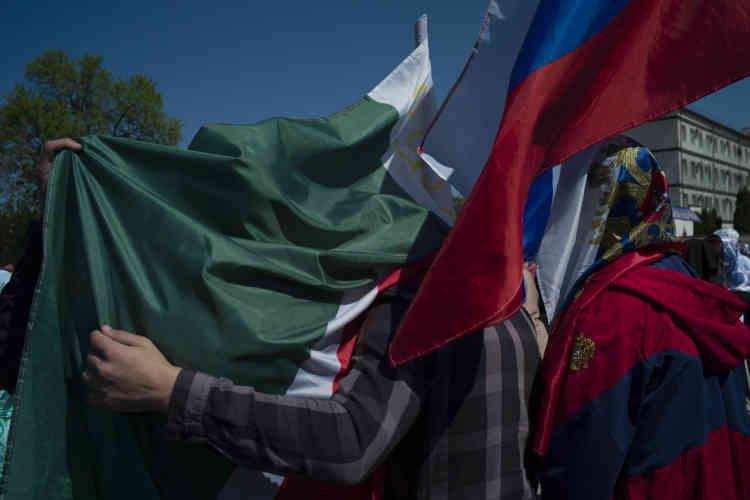 Pendnat le rassemblement du 1er-Mai, à Grozny.