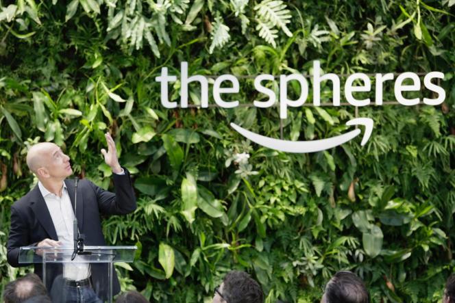 Jeff Bezos, patron d'Amazon, inaugure les Amazon Spheres, à Seattle aux Etats-Unis, le 29 janvier.