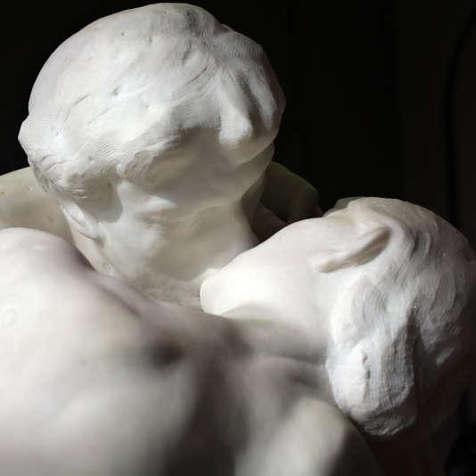 Le Baiserd'Auguste Rodin au Musée Rodin à Paris, le 5 novembre 2015.
