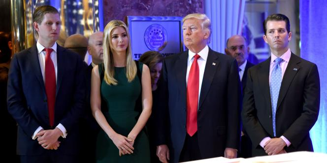 Eric Trump, Ivanka Trump, Donald Trump et Donald Jr., à la Trump Tower, le 11 janvier 2017.