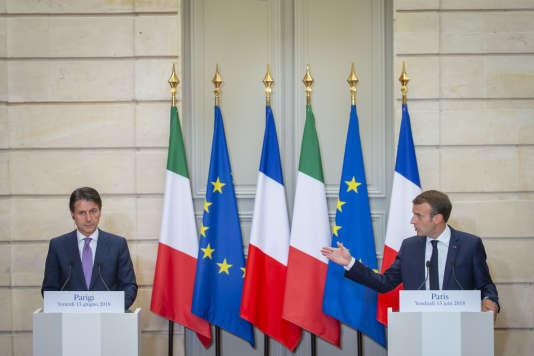 Le chef du gouvernement italien, Giuseppe Conte, et le président français, Emmanuel Macron, à l'Elysée, le 15juin 2018.