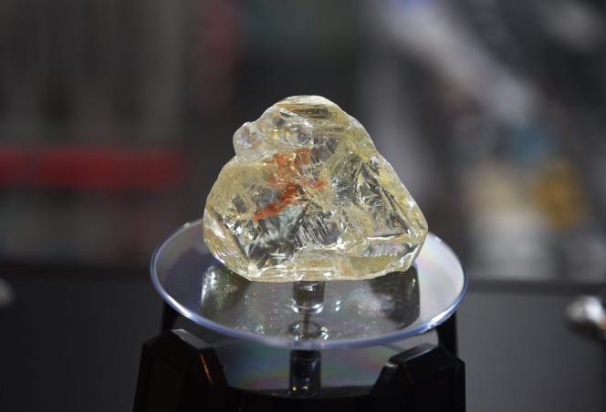 Le « Diamant de la paix» a été adjugée aux enchères6,53 millions de dollars et attribuée au joaillier britannique Laurence Graff le 5 décembre 2017 à New York.