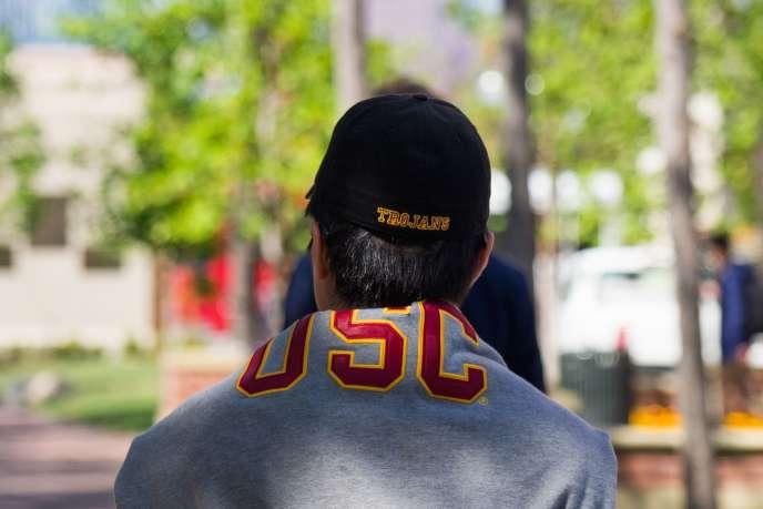 Le gynécologue de l'université USC est sous le coup d'investigations pour abus sexuels.