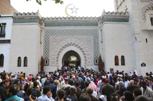 Fête de l'Aïd el-Fitr à la Grande Mosquée de Paris, vendredi15 juin.
