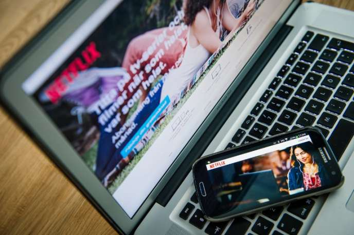 Le géant de la vidéo en ligne sur abonnement, Netflix, est présent aussi bien sur les téléphones portables que sur ordinateur.