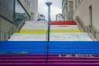 Des individus sont venus recouvrir l'oeuvre aux couleurs arc-en-ciel située rue Beaurepaire, au centre-ville de Nantes, de peinture blanche en deux endroits.