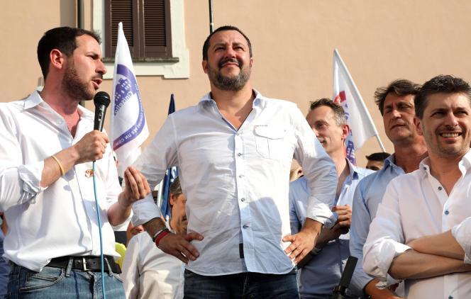 Le ministre de l'intérieur italien Matteo Salvini, lors d'un meeting électoral, près de Milan, le 17 juin.