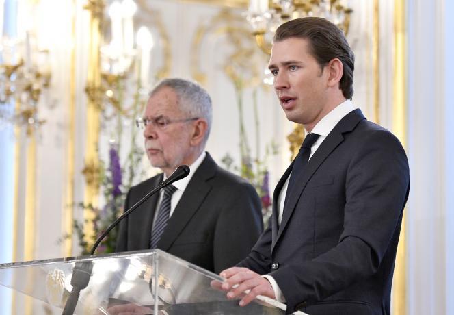 Le président autrichien, Alexander Van der Bellen, et le chancelier, Sebastian Kurz (à droite), lors d'une conférence de presse, le 16 juin.