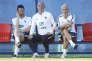 L'entraîneur des gardiens, Franck Raviot (à gauche), au côté de Guy Stéphan, adjoint de Didier Deschamps, au stadeGlebovets, le 17 juin.