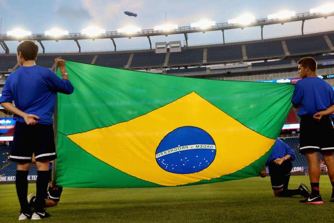 Le drapeau brésilien avant un match contre les Etats-Unis, le 8 septembre 2015 à Foxboro, dans le Massachusetts.