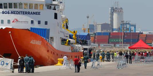 L'« Aquarius », dimanche 17 juin dans le port espagnol de Valence.
