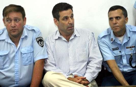 Gonen Segev, en 2004, lors de sa comparution devant le tribunal de Tel-Aviv pour trafic de stupéfiants.