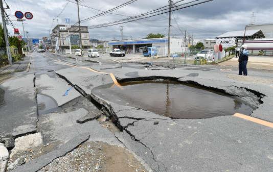 A Takatsuki, près d'Osaka (Japon), après un séisme, le 18 juin 2018.