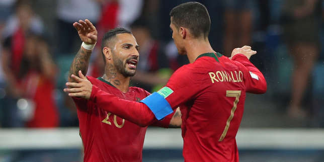 Ricardo Quaresma et Cristiano Ronaldo, à la fin du match contre l'Espagne, le 15 juin, à Sotchi.