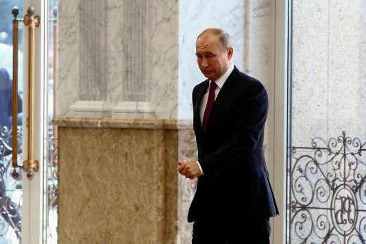 La cote de confiance des Russes envers Vladimir Poutine s'est effondrée en quelques jours pour revenir à celle de décembre 2011.