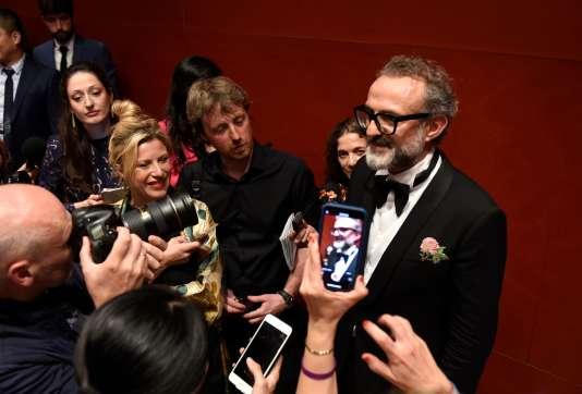 Massimo Bottura après la remise du prix de« meilleur restaurant du monde» à l'Osteria Francescana.