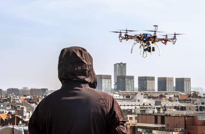 Pour piloter un drone de plus de 800 g, il faudrapasser un QCM.