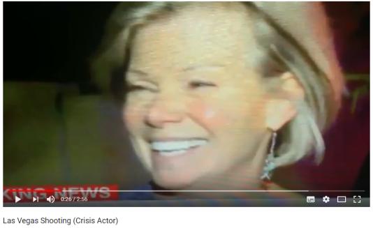 Sur YouTube, certains observateurs s'arrêtent sur un sourire, un regard hors champ pour juger de la sincérité de témoins rescapés.
