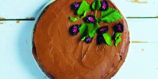 Le gâteau au glaçage avocat-cacao d'AngèleFerreux-Maeght.