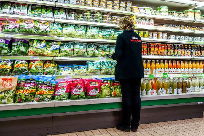 Dans un supermarché Monoprix, à Dunkerque, le 27 mars.