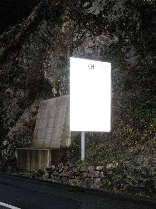 Brusino Arsizio, 2015. Un panneau à la frontière indiquant l'entrée en Suisse.