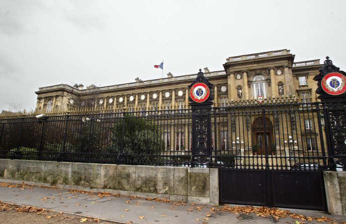 Le ministère des affaires étrangères à Paris, en décembre 2003, lors de la première grève de l'histoire du Quai pour dénoncer l'absence de moyens.