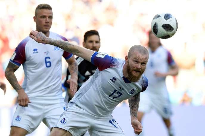 Le capitaine islandais Aron Gunnarsson, face à l'Argentine, au stade du Spartak, à Moscou, le 16 juin