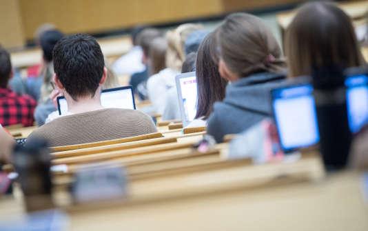 L'étude de l'Insee analyse le devenir, dix ans après, d'une cohorte de 18 000 élèves entrés en classe de 6e en 1995.