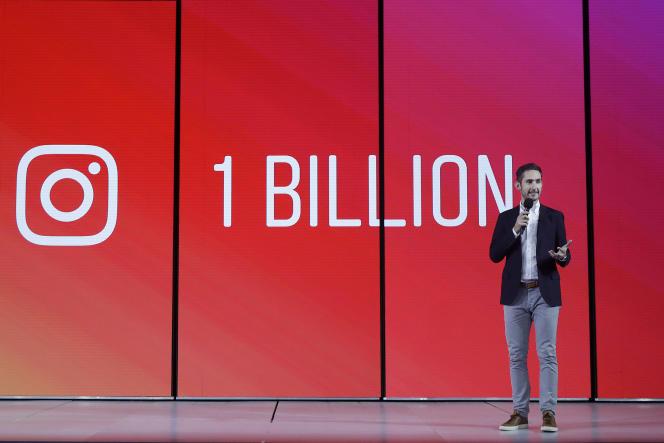 Kevin Systrom, cofondateur et patron d'Instagram, présente la plate-forme vidéo du réseau social, à San Francisco, le 19 juin.
