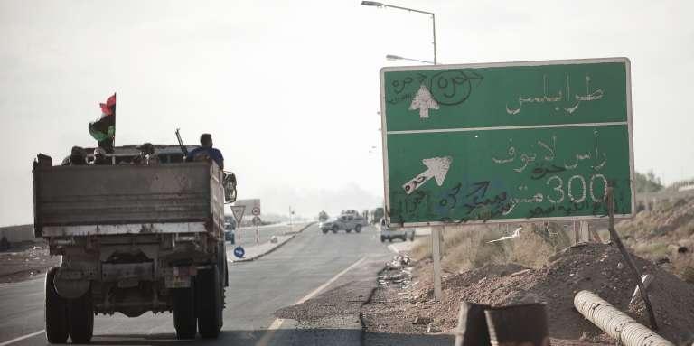 Sur la route de Ras Lanouf, en Libye, en 2011.