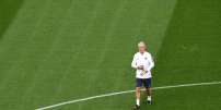 France's coach Didier Deschamps oversees a training session at the Ekaterinburg Arena in Ekaterinburg on June 20, 2018 on the eve of the Russia 2018 World Cup Group C football match between France and Peru. / AFP / Anne-Christine POUJOULAT