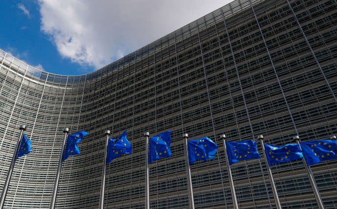 «Nous avons été pris au dépourvu, mais, face à un réel danger, les dirigeants européens sont sortis de leur zone de confort pour défendre notre monnaie. La garantie souveraine de 500 milliards d'euros – le Mécanisme européen de stabilité (MES) – est peut-être l'exemple le plus clair de cet effort.»