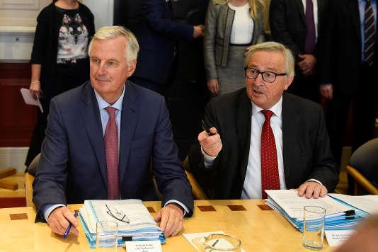Michel Barnier et Jean-Claude Juncker, le 21 juin à Dublin.