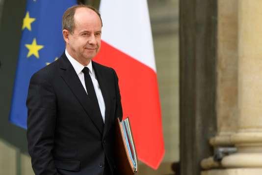 Jean-Jacques Urvoas, alors ministre de la justice, à la sortie du conseil des ministres du 5 avril 2017, à l'Elysée.