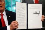 Le président américain a signé le 20 juin à Washington un décret présidentiel afin de ne plus séparer les familles de migrants à la frontière.