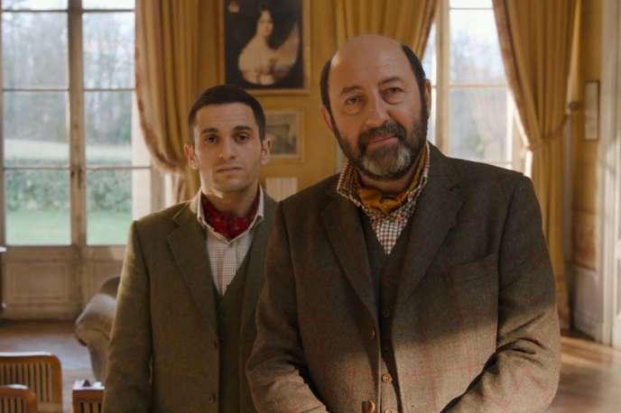 Kad Merad (à droite) et Malik Bentalha dans la comédie « Le Doudou » de Philippe Mechelen et Julien Hervé.
