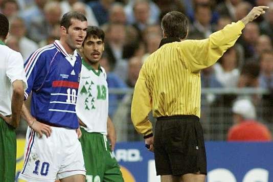 Zinédine Zidane contre l'Arabie saoudite, le 18 juin 1998 à Saint-Denis.
