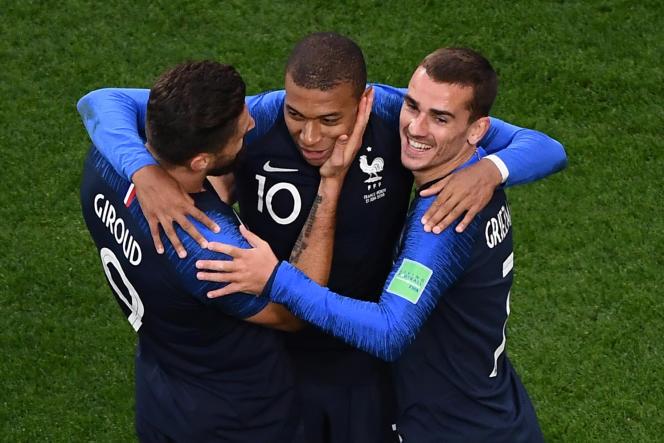 La joie des joueurs de l'équipe de France après le but de Mbappé, le 21juin face au Pérou.
